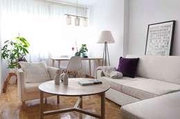 minimalistic Living room by La Espaciera