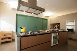 Cocinas de estilo moderno por Elisa Vasconcelos Arquitetura  Interiores