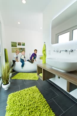 modern Bathroom by STREIF Haus GmbH