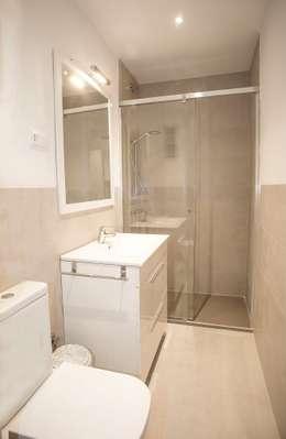 Bagno moderno in appartamento piccolo 37 idee per chi ha for Piccolo bagno mediterraneo