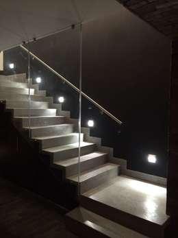15 escaleras de concreto perfecta para casas modernas for Pisos para escaleras de concreto