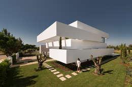 Casas de estilo moderno por Corpo Atelier