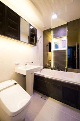 Ванные комнаты в . Автор – 친친디 하우스 프로젝트