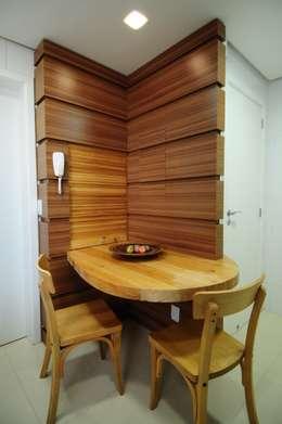 Cocinas de estilo moderno por João Luís Linck   Arquitetura