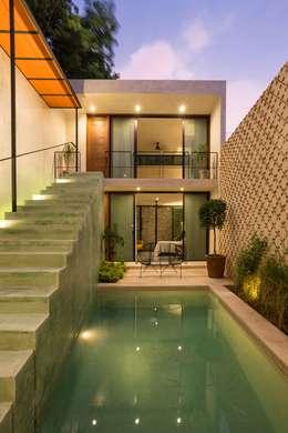 Casa del Limonero: Casas de estilo moderno por Taller Estilo Arquitectura