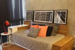 Dormitorios de estilo  por Concept Engenharia + Design