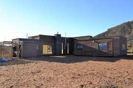 บ้านและที่อยู่อาศัย by Casas Metal