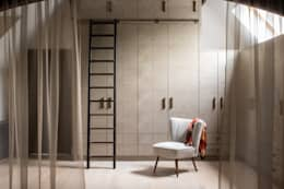 Richmond - Master Dressing Room: modern Dressing room by Roselind Wilson Design