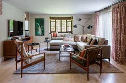 Salon de style de style eclectique par Roselind Wilson Design