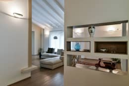 Salon de style de style Moderne par Claude Petarlin