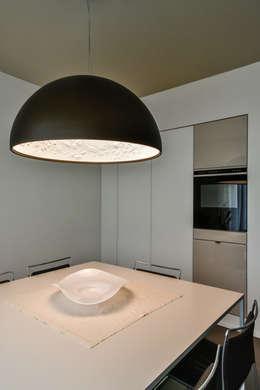 Cuisine de style de style Moderne par Claude Petarlin