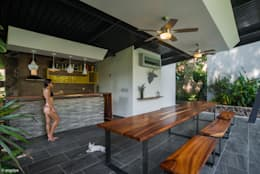CASA PAROTA: Terrazas de estilo  por LUIS GRACIA ARQUITECTURA + DISEÑO