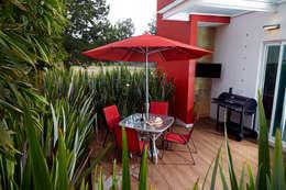 deck exterior de cocina: Terrazas de estilo  por arketipo-taller de arquitectura