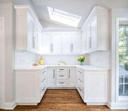 modern Kitchen by Clean Design