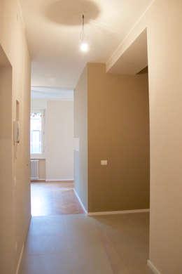 Ingresso: Ingresso & Corridoio in stile  di SuMisura