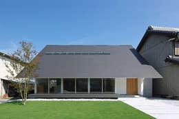 Nhà by 空間建築-傳 一級建築士事務所