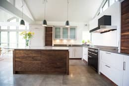 Eco Kitchen: modern Kitchen by George Robinson Kitchens