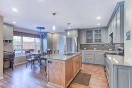 Кухни в . Автор – Studio Design LLC