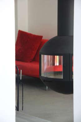 maison à Lyon 08 rénovée: Salon de style de style Moderne par Koya Architecture Intérieure