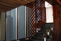 Corridor & hallway by Diamond Creaciones