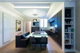 Cuisine ouverte sur salle de séjour: Salle à manger de style de style Moderne par LA CUISINE DANS LE BAIN SK CONCEPT