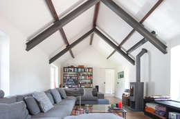 Renovatie en uitbreiding jaren 50-woning: landelijke Woonkamer door Bob Romijnders Architectuur & Interieur