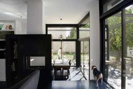 modern Living room by Florence Gaudin architecte