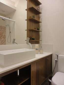 modern Bathroom by Maria Helena Torres Arquitetura e Design