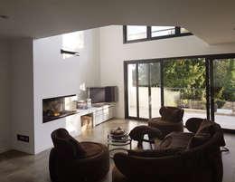 Maison Chatenay-Malabry: Salon de style de style Moderne par Daniel architectes