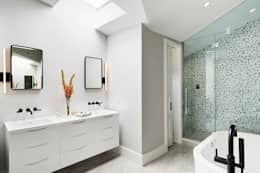 M Monroe Design의  화장실