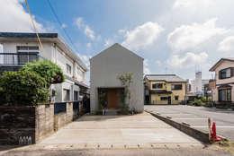 modern Houses by 安江怜史建築設計事務所