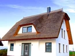 wundersch nes reetdachhaus am meer. Black Bedroom Furniture Sets. Home Design Ideas