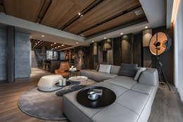 Salas de estilo asiático por CJ INTERIOR 長景國際設計
