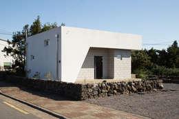 눌치재: 아키제주 건축사사무소의  주택