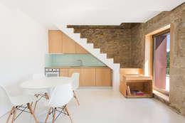 Salon de style de style Scandinave par PAULO MARTINS ARQ&DESIGN