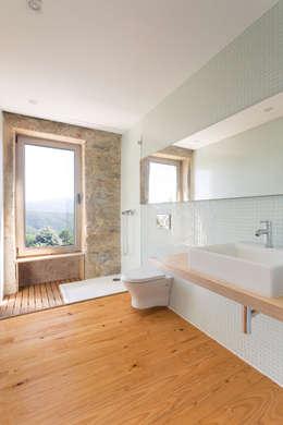 Ванные комнаты в . Автор – PAULO MARTINS ARQ&DESIGN