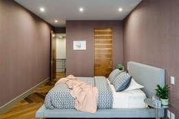 Dormitorios de estilo clásico por NIVEL TRES ARQUITECTURA