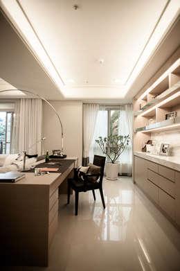 BRAVO INTERIOR DESIGN & DECO    KUAN STYLE:  書房/辦公室 by 璞碩室內裝修設計工程有限公司