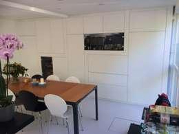 nieuwe kast in eetkeuken: moderne Eetkamer door Studio Kuin BNI