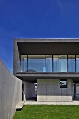 floating house: 株式会社廣田悟建築設計事務所が手掛けた家です。