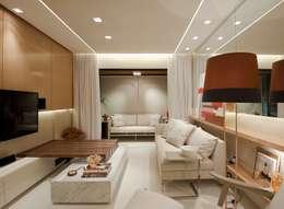 Projekty,  Pokój multimedialny zaprojektowane przez Matheus Menezes Arquiteto