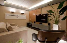 غرفة الميديا تنفيذ Matheus Menezes Arquiteto