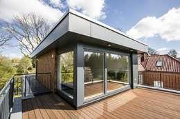 Балконы, веранды и террасы в . Автор – Architekturbüro Prell und Partner mbB Architekten und Stadtplaner