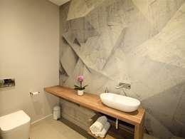 Bathroom Guest: minimalistic Bathroom by E2 Architects