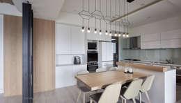 modern Dining room by 思維空間設計