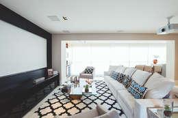 modern Living room by Revellar Marcenaria