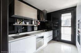 Nhà bếp by 思維空間設計