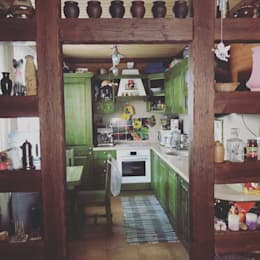 Cocinas de estilo rural por Шамисова Анастасия