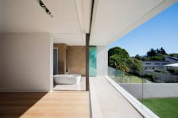 FIRTH 114802 by Three14 Architects: minimalistic Bathroom by Three14 Architects