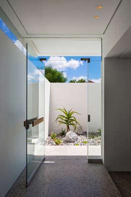 FIRTH 114802 by Three14 Architects:  Corridor & hallway by Three14 Architects